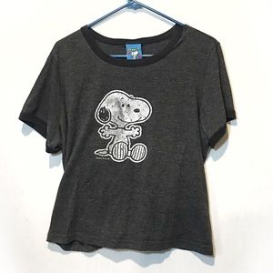 PEANUTS Grey Tee with black rimmed neck & sleeves